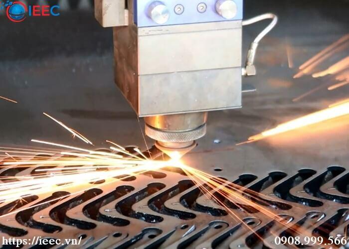 Lý do khách hàng lựa chọn dịch vụ cắt laser kim loại tại Hà Nội của IEEC Việt Nam