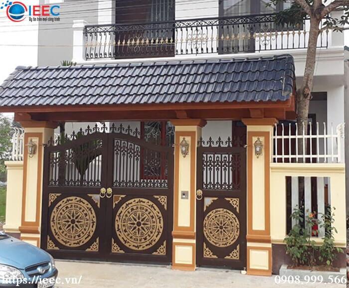 Mẫu cổng sắt CNC đẹp nhà mặt phố