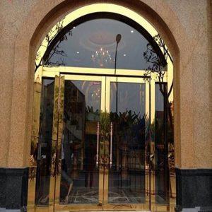 Cửa Inox mạ vàng có giá là bao nhiêu?