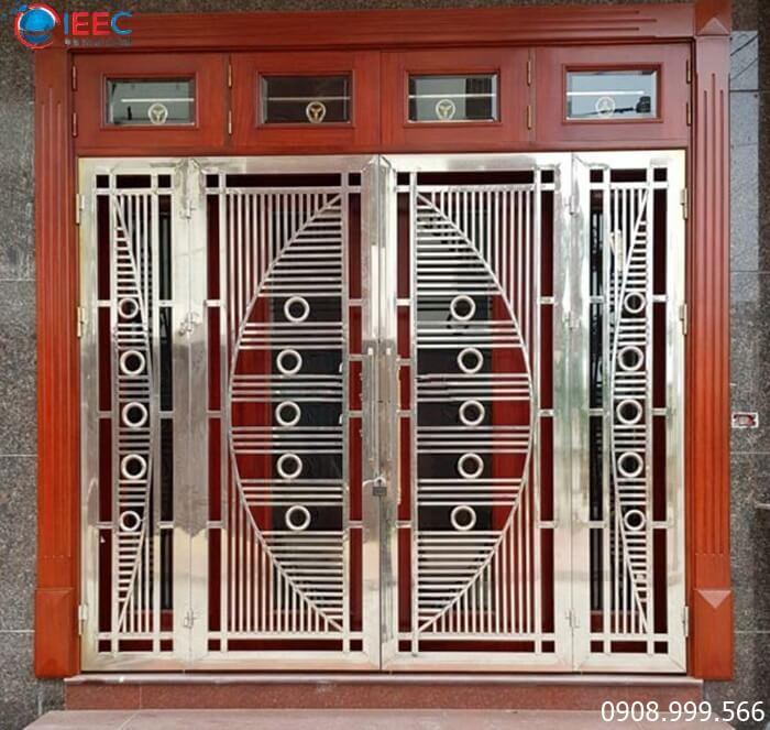 Gia công cửa inox - IEEC Việt Nam